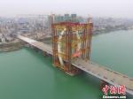 图为航拍合龙的白沙大桥 钟欣 摄 - 广西新闻