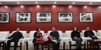 自治区副主席黄俊华看望慰问广西戏剧院院长龙倩 - 文化厅